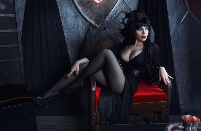 Elvira Cosplay