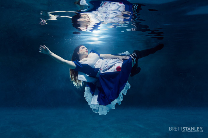 Underwater Alice Cosplay