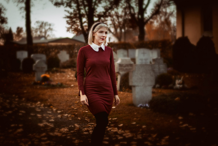 Sabrina Spellman from The Chilling Adventures of Sabrina Cosplay