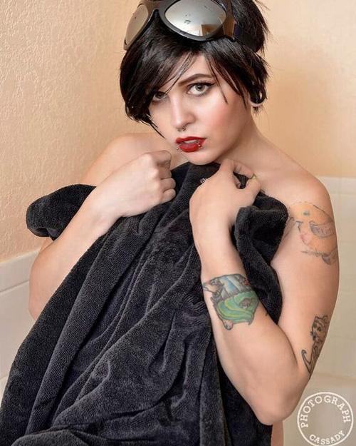 Catwoman Bathtime Photoshoot