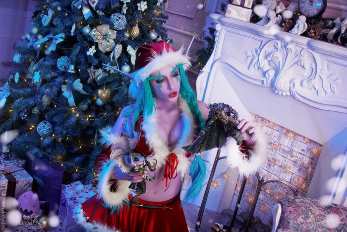 Christmas Night Elf Cosplay