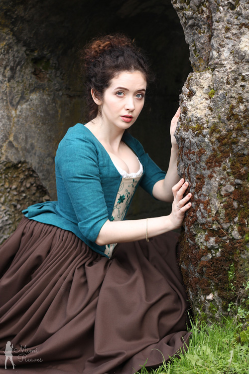 Claire Beauchamp from Outlander Cosplay
