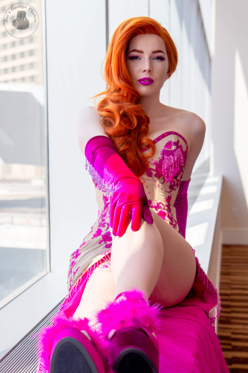 Glitterbomb Jessica Rabbit Cosplay