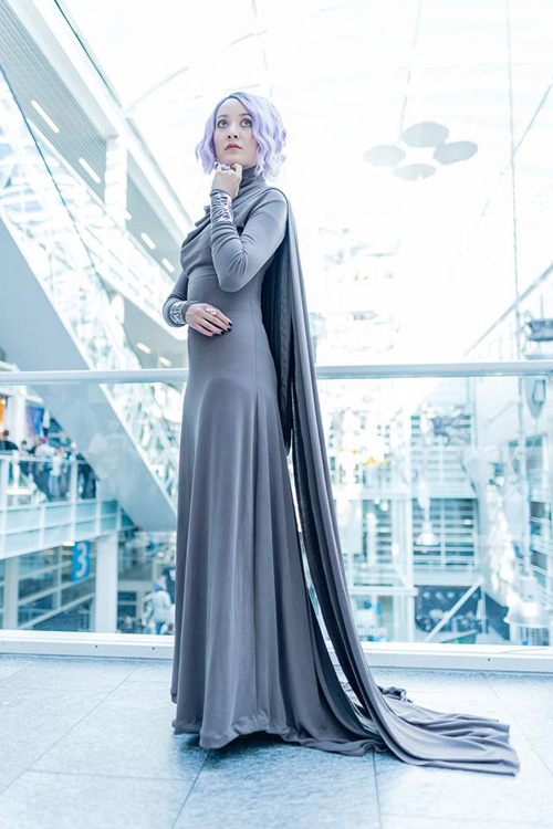 Vice Admiral Holdo from Star Wars: The Last Jedi Cosplay