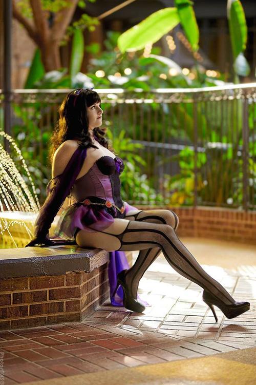 Burlesque Raven Cosplay