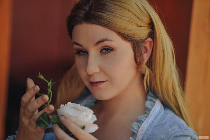Dolores from Westworld Cosplay
