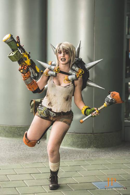 Junkrat from Overwatch Cosplay
