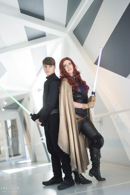 Mara and Luke from Star Wars Cosplay