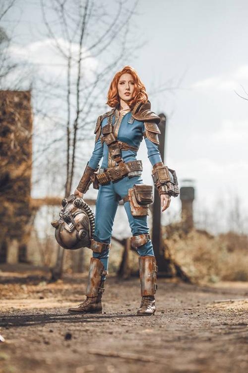 Fallout Vault Dweller Cosplay
