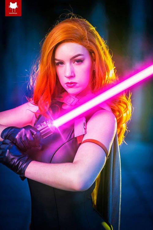 Mara Jade Skywalker from Star Wars Cosplay