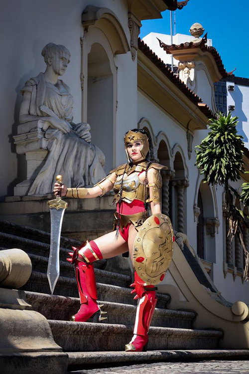 Wonder Woman from Injustice: Gods Among Us Cosplay