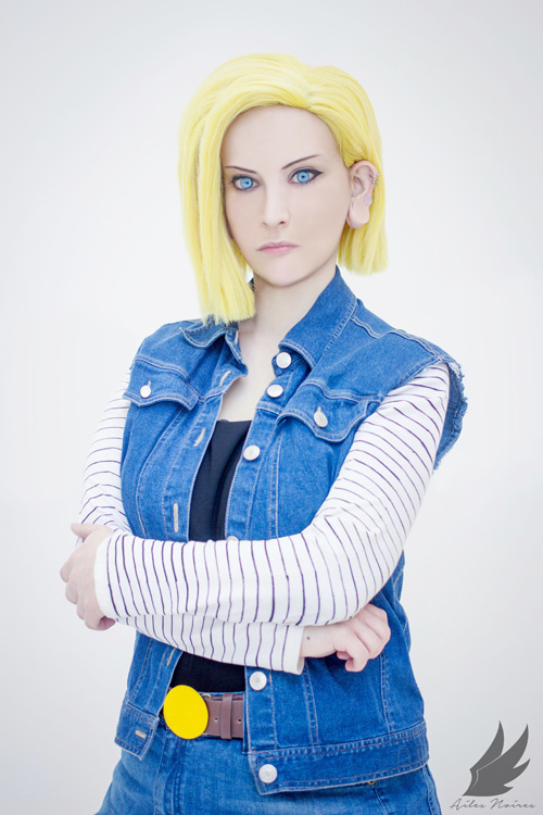 Android 18 from Dragon Ball Z Cosplay