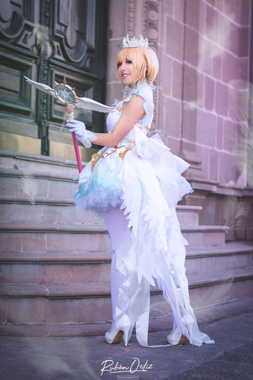 Sakura Kinomoto Snow Angel Cosplay