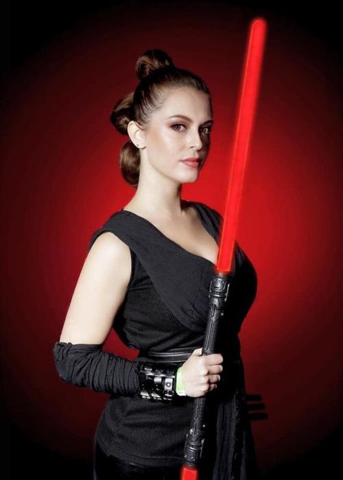 Dark Rey Star Wars Cosplay