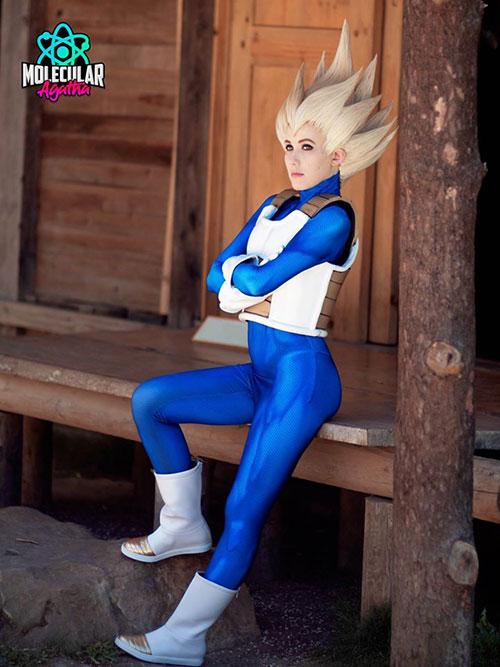 Female Vegeta from Dragon Ball Z Cosplay