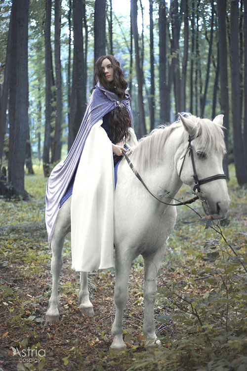 Arwen from Lord of the Rings Cosplay