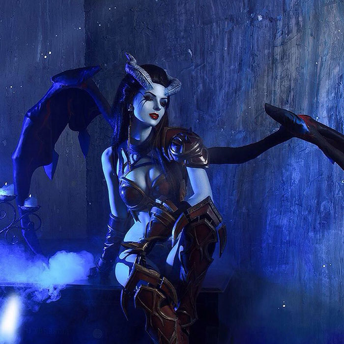 Queen of Pain from Dota 2 Cosplay