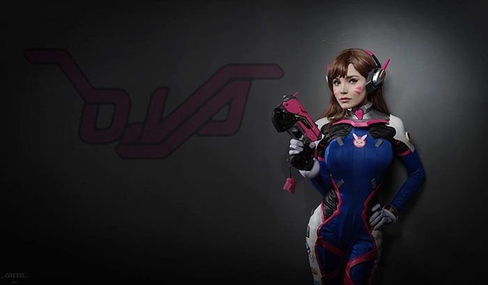 DVa from Overwatch Cosplay