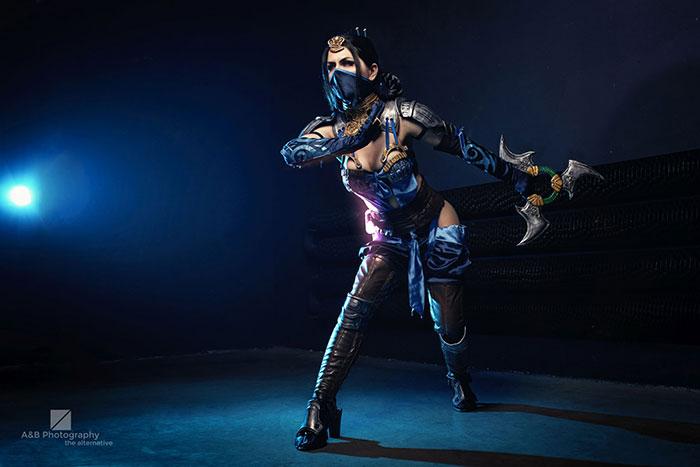 Kitana from Mortal Kombat X Cosplay