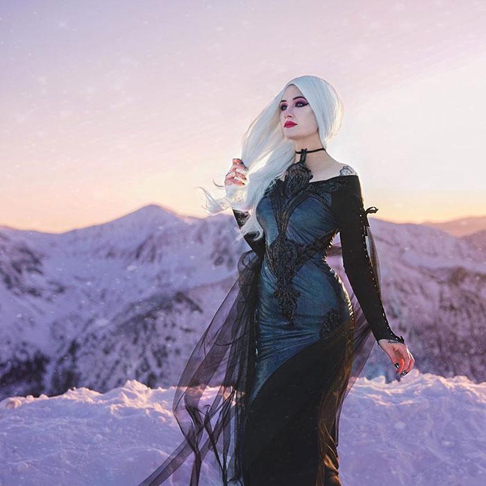 Goth Elsa Cosplay