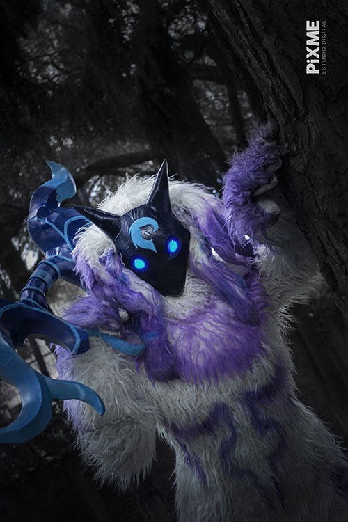 Kindred from League of Legends Cosplay