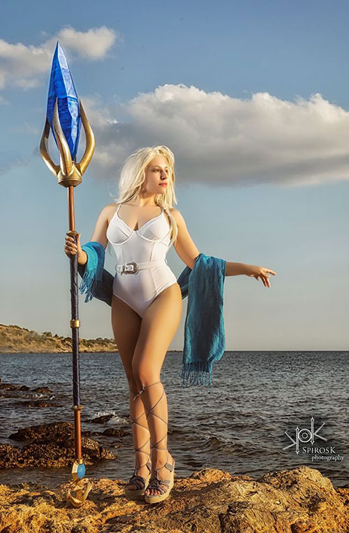 Beach Jaina from World of Warcraft Cosplay