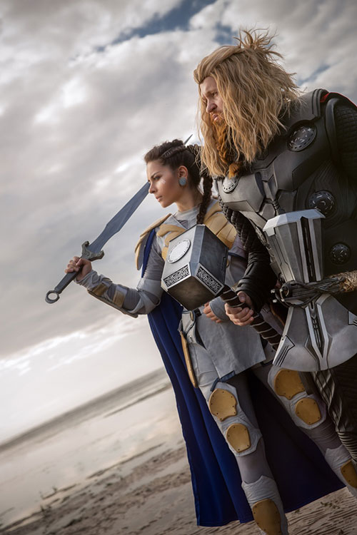 Valkyrie & Thor Cosplay