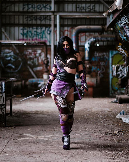 Mileena from Mortal Kombat Cosplay