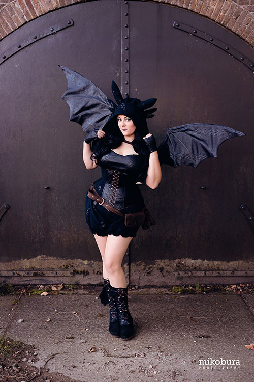Toothless from How to Train Your Dragon Cosplay
