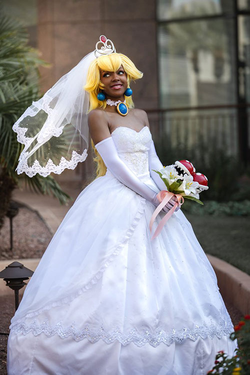 Wedding Princess Peach from Super Mario Odyssey Cosplay