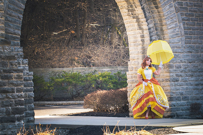 Princess Daisy from Super Mario Cosplay