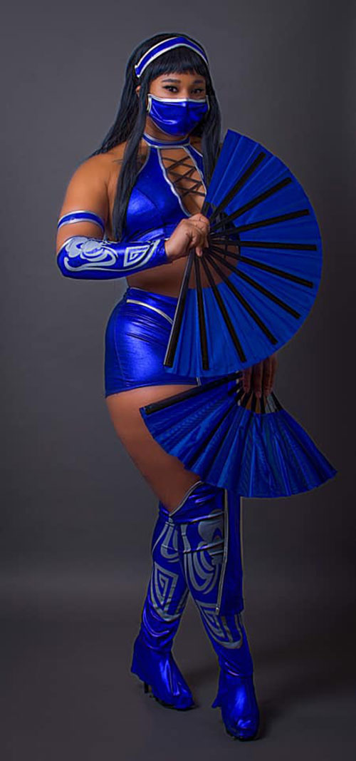 Kitana from Mortal Kombat Cosplay