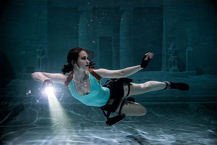 Lara Croft Underwater Cosplay
