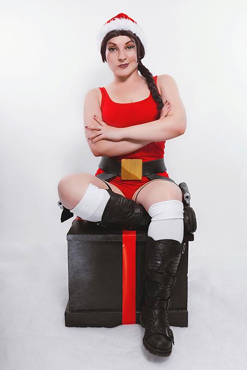 Christmas Lara Croft Cosplay