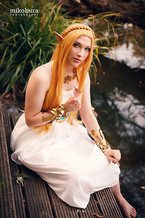 Princess Zelda from The Legend of Zelda: Breath of the Wild Cosplay