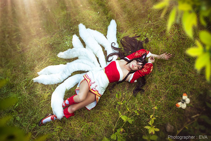 Ahri from League of Legends Cosplay