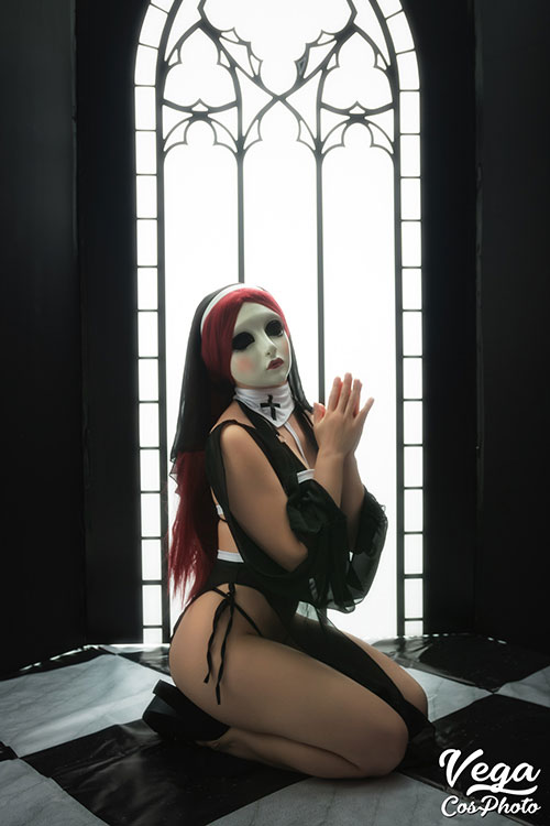 Sinful Sister Cosplay