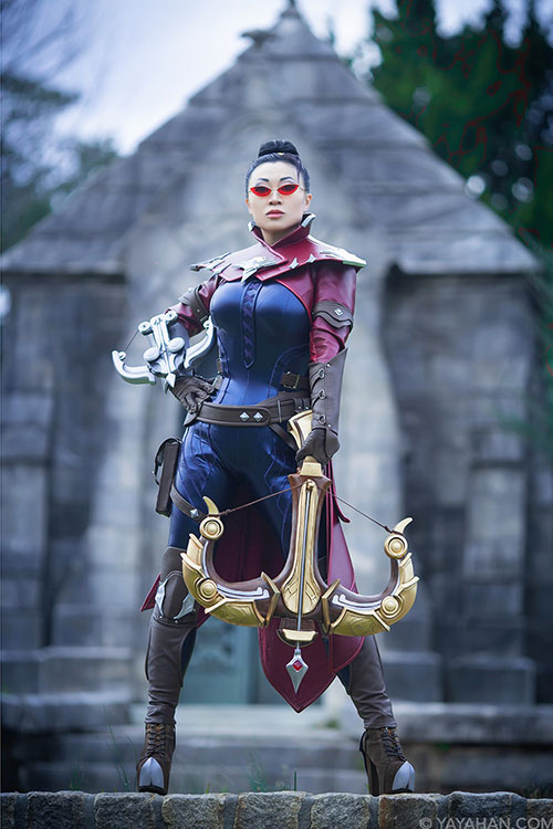 Vayne from League of Legends Cosplay