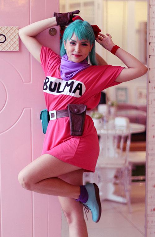 Bulma from Dragon Ball Cosplay