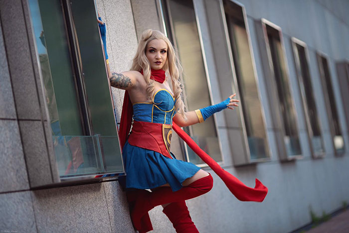 DC Bombshell Supergirl Cosplay