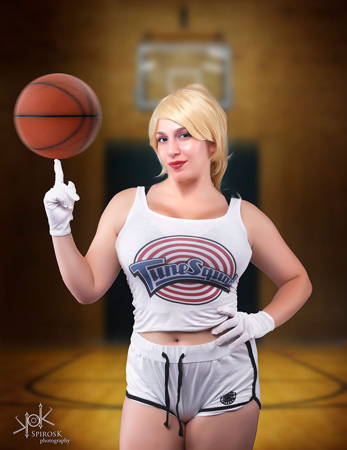 Lola Bunny from Space Jam Cosplay