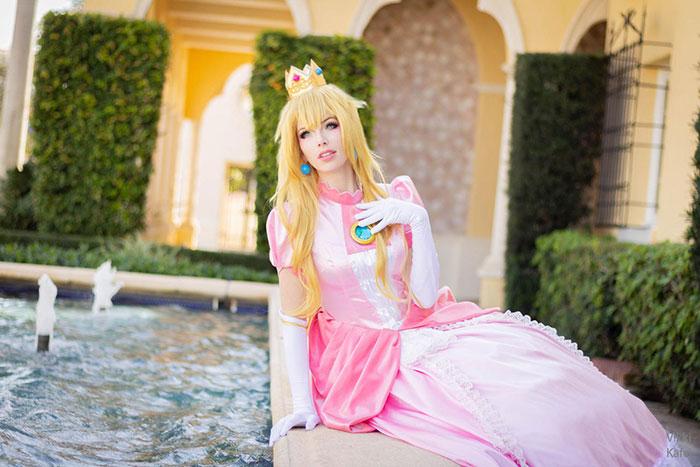 Princess Peach from Super Mario Bros Cosplay