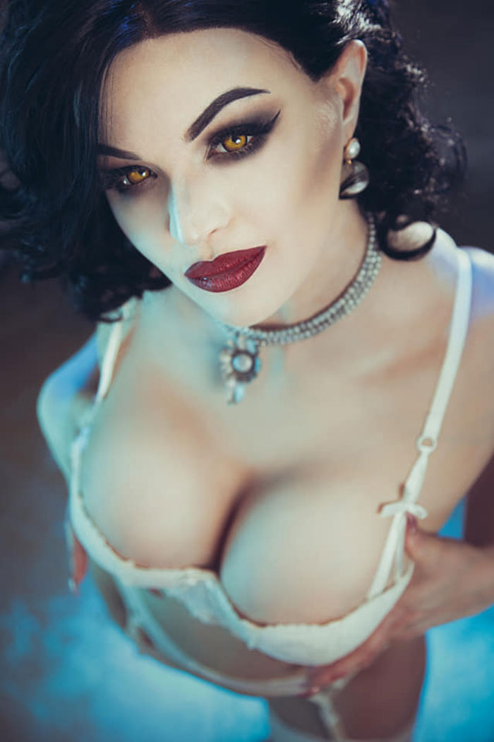 Lady Dimitrescu from Resident Evil Village Cosplay