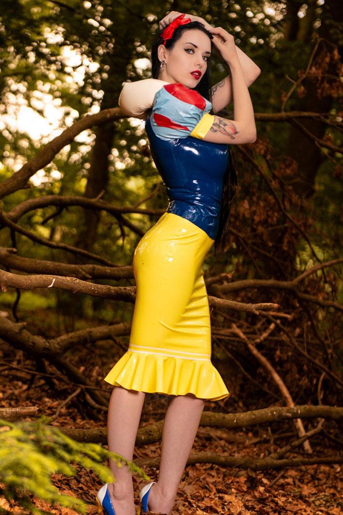 Snow White Latex Cosplay