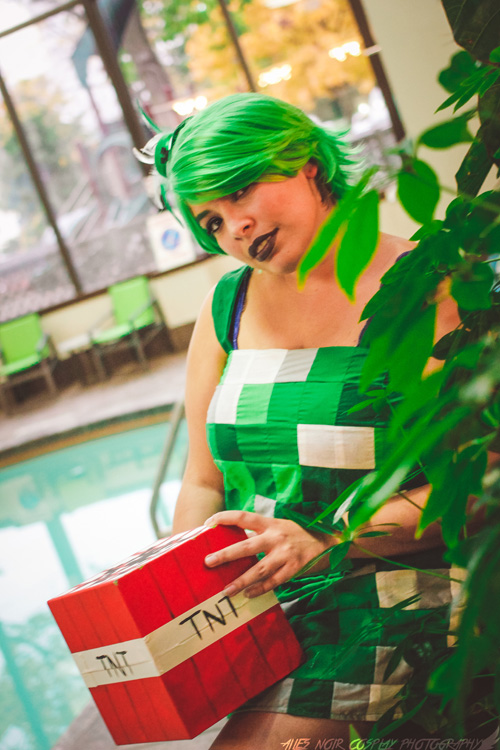 Minecraft Creeper Cosplay
