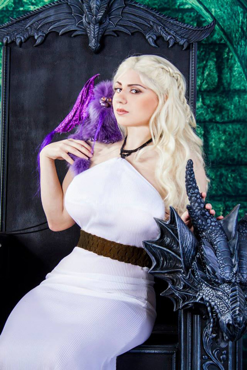 Daenerys Game of Thrones Cosplay