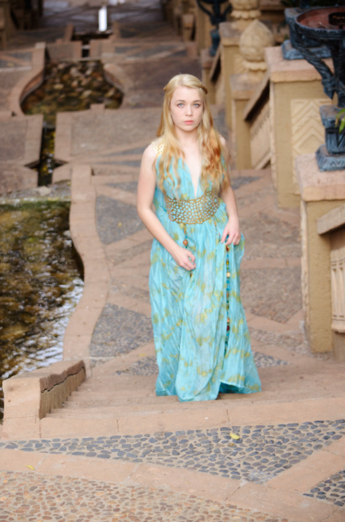 Daenerys Targaryen in Qarth Cosplay