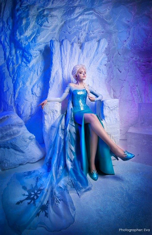 Cosplayer u0026 Disney-lover Marina Tinker looks gorgeous as Elsa from ...