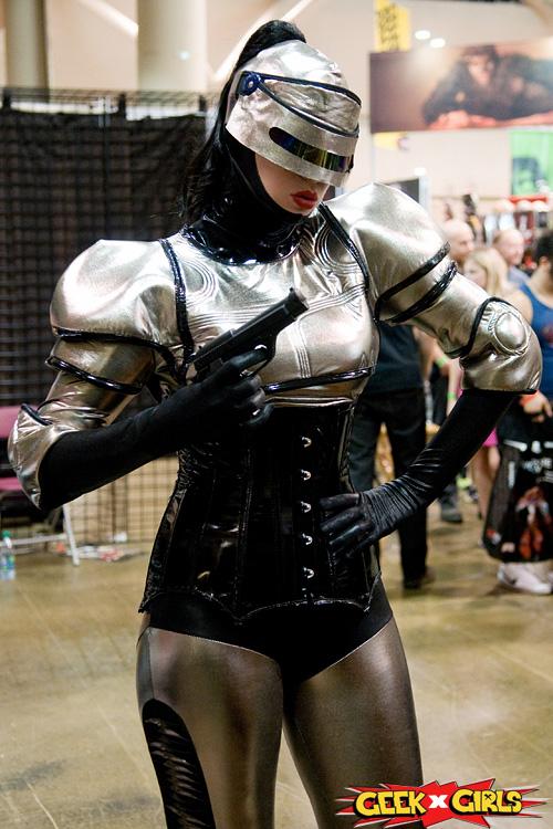 Sexy mortal kombat cosplayer slideshow - 2 part 9