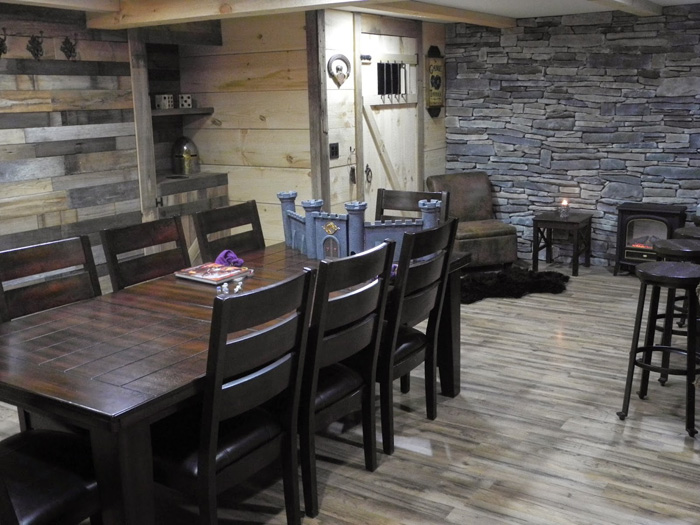 Epic Game Room - The Game Tavern Game-tavern-room-dnd-01